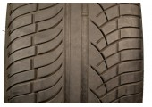 275/40/20 Michelin Latitude Diamaris 106Y 40% left