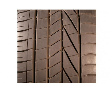 Used 285/40/20 Goodyear Excellence RFT 104Y 40% left