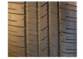 255/60/19 Goodyear Eagle RS-A 108H 40% left