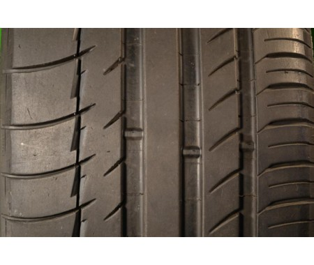 Used 245/35/21 Michelin Pilot Sport PS2 75% left