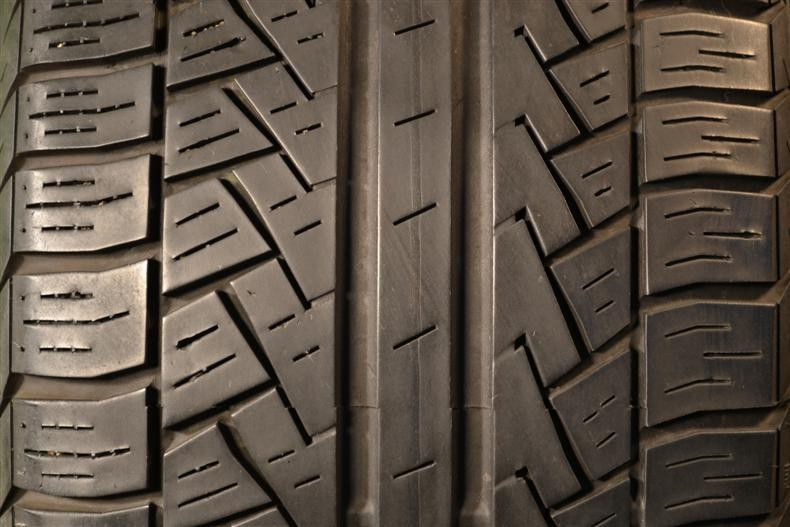 6e2951d47 185 65 15 Pirelli P6 Four Seasons 88H 55% left