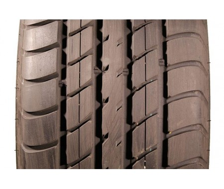 Used 225/50/16 Dunlop Sp Sport 2000 95% left