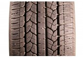 265/65/17 Goodyear Assurance CS 112T 95% left