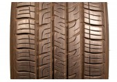 235/60/17 Goodyear Assurance ComforTred Touring 102H 95% left