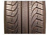215/65/17 Pirelli P4 Four Seasons 99T 95% left